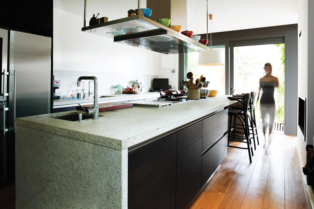 Kitchen trends on the bay magazine for Latest kitchen