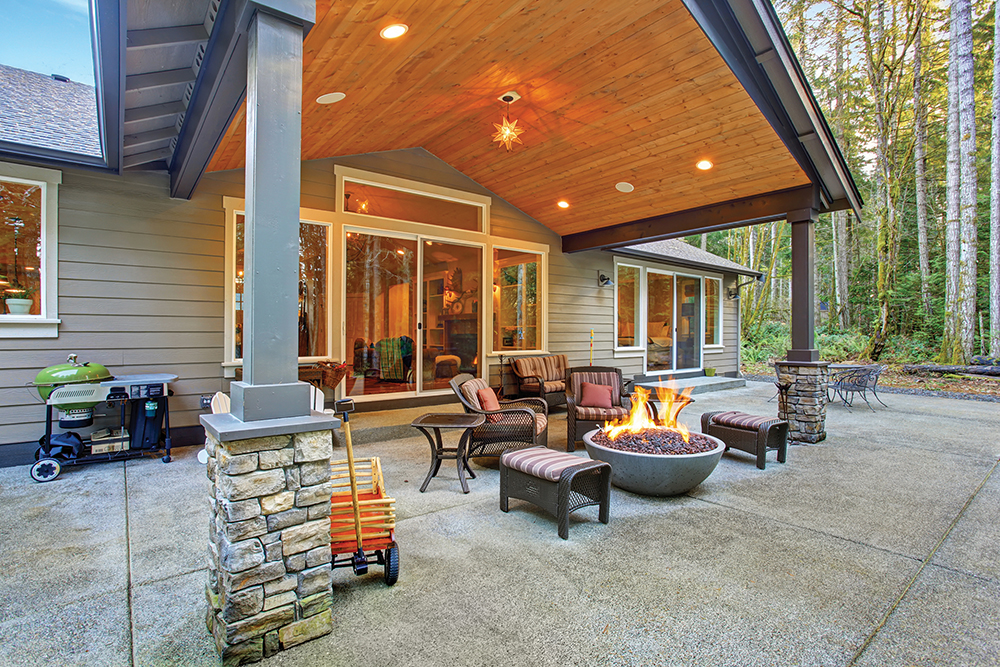 The Latest Trends In Patio Design Include Covered Patios And Flagstone  Patios At Ground Level That